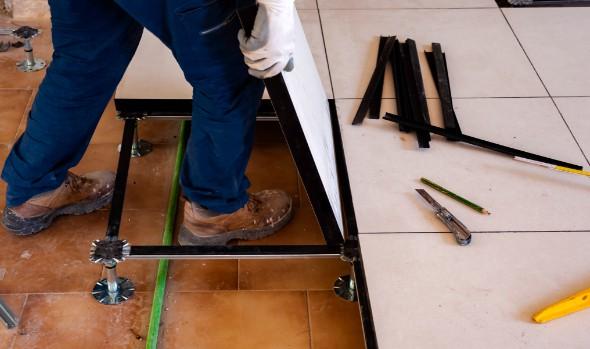 Verhoogde vloer laten leggen door specialist