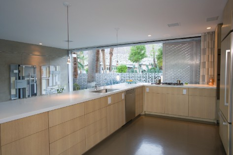 Vinyl vloer in keuken gelegd